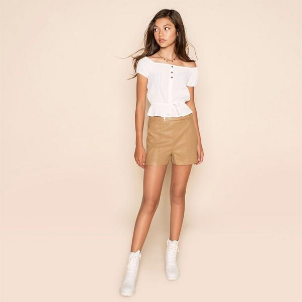 Sanne Short honey